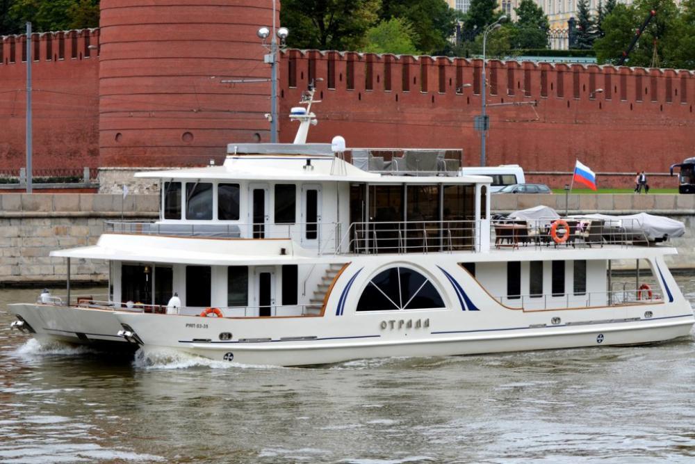 Фотографии и 3D-панорама яхты Отрада